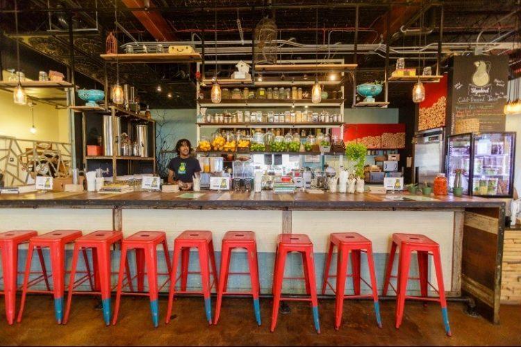 Living in Orlando: 4 Top Neighborhoods for Foodies