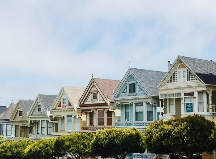 How to Determine if 2021 is a Buyer's Market or a Seller's Market