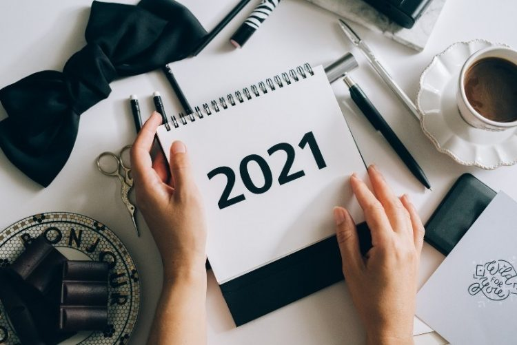 Should I Sell My House in 2021? Top Realtors Weigh In